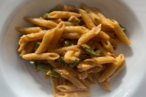På bilden ser vi en närbild på den färdiga pastarätten.